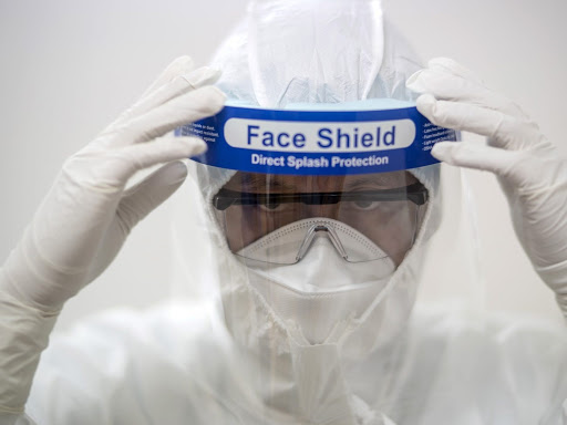 Tấm chắn giọt bắn hạn chế lây nhiễm virus Covid 19 hiệu quả